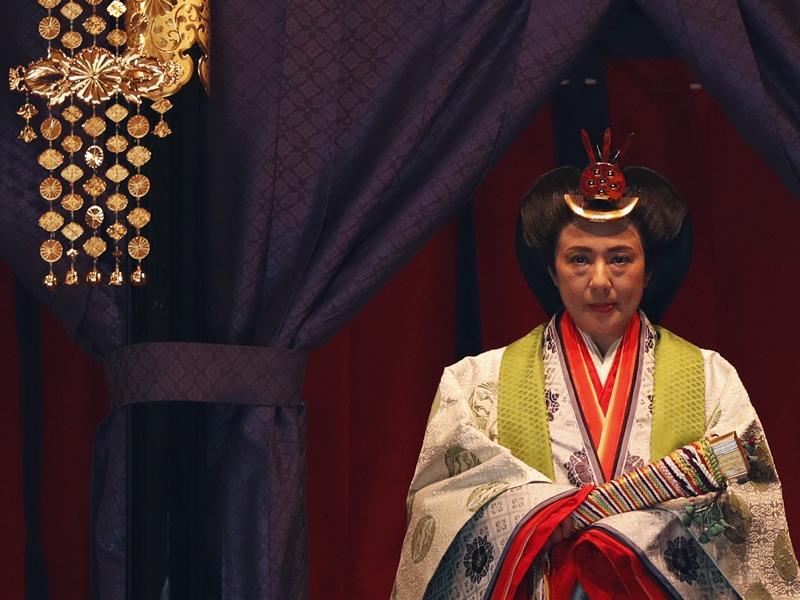 日皇德仁即位:保持與人民親近 日本發展成友好和平國家
