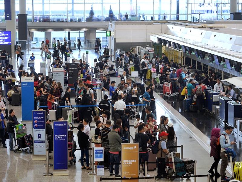 傳港府資助港人買機票。資料圖片