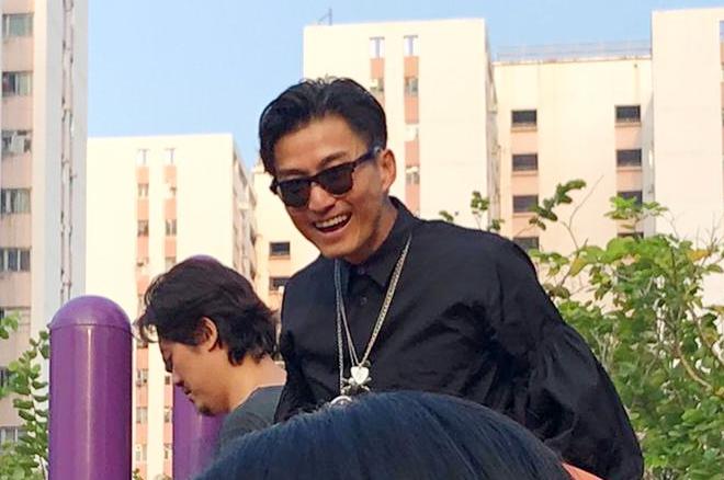山聰雖然一直趕拍劇,但同芯芯玩完全唔覺攰仲笑得好開心。
