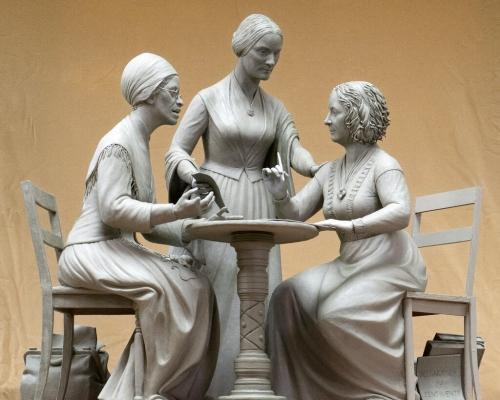 紐約中央公園首立3座女名人雕像