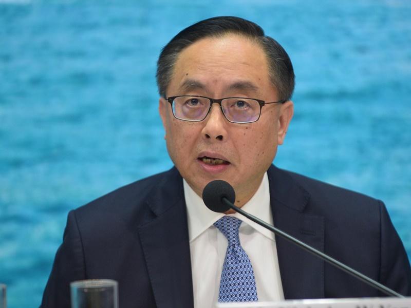 楊偉雄指政府封網需審慎。資料圖片