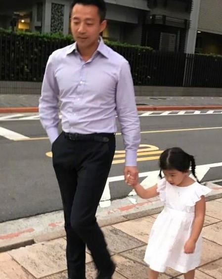 汪小菲與小玥兒。