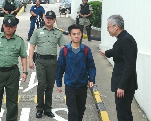 【修例風波】台媒稱有檢警人員抵港待命 陳同佳踏足台灣航機即拘捕