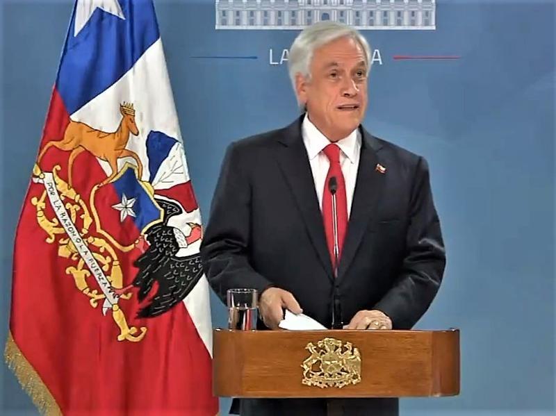 智利總統皮涅拉發表全國講話公開向人民道歉 ,並宣布一系列社會措施。(網圖)