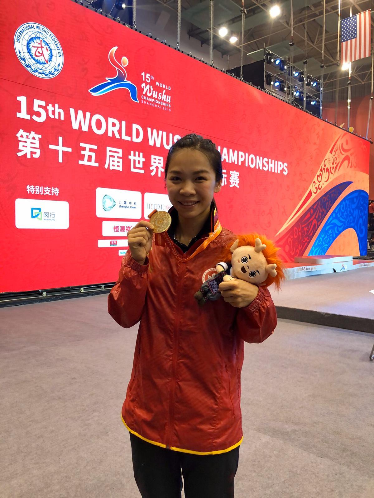 港將曾海蘭於女子60公斤散打摘銀,為港隊贏得首面此項目的世錦賽獎牌。相片由香港武術隊提供