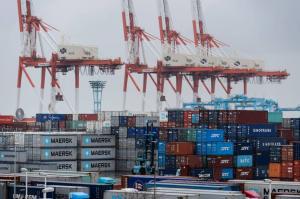 【亞太經濟】日本10月製造業PMI跌至48.5 逾三年低位