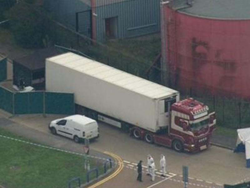 貨車被發現裝有39具屍體。Mirror圖片