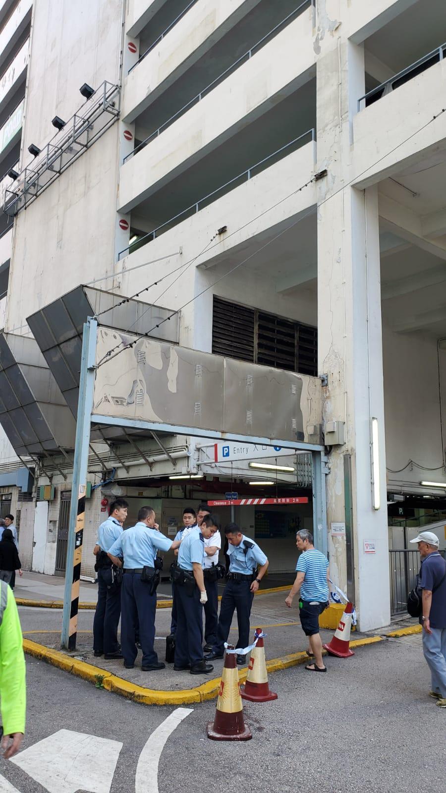 大批警員到場調查。