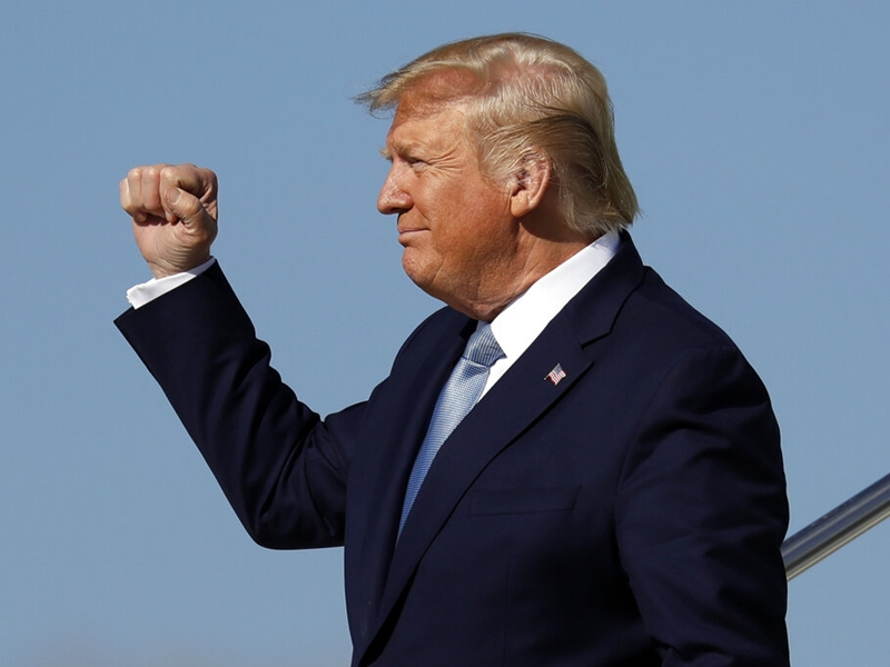 特朗普指示联邦政府部门不要再订阅《纽约时报》和《华盛顿邮报》。