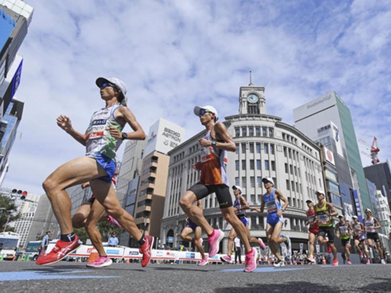 東京都政府有意提早賽程到凌晨3時或5時,並依原定計畫在東京舉行。 AP/示意圖