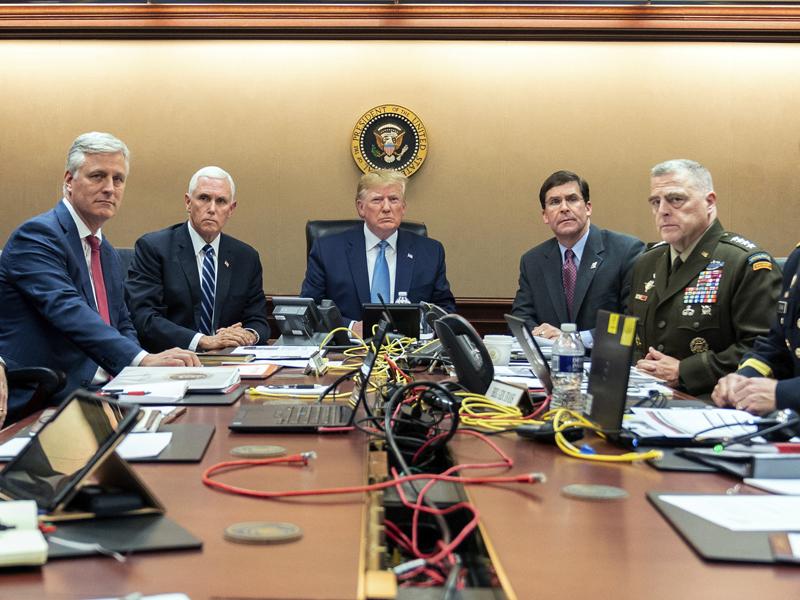 特朗普在白宫战情室观看美军追杀巴格达迪的行动过程。