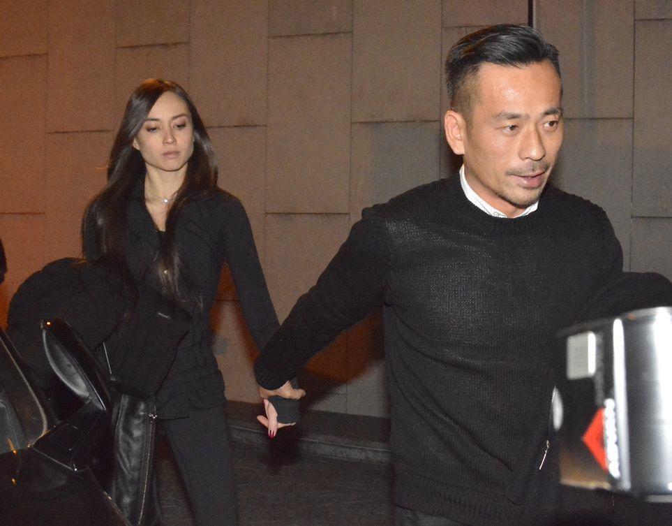 周焯華與Mandy Lieu「世紀拖手」哄動一時。
