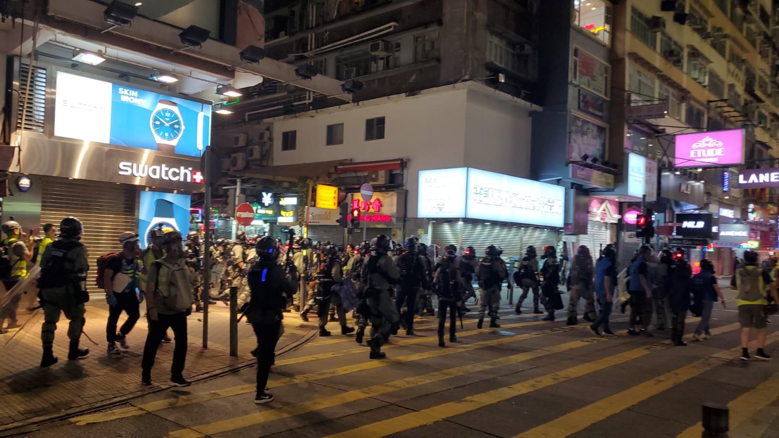 警方拘捕多人