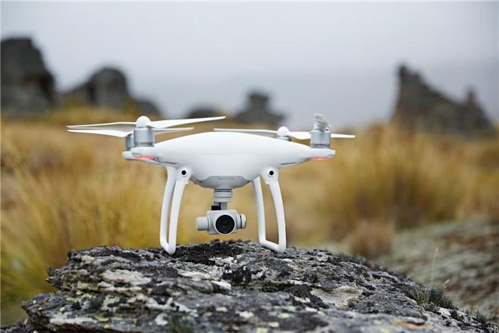 美國內政部宣布,出於網絡安全的擔憂,將停飛該部門所管理的800多架無人機。 網圖