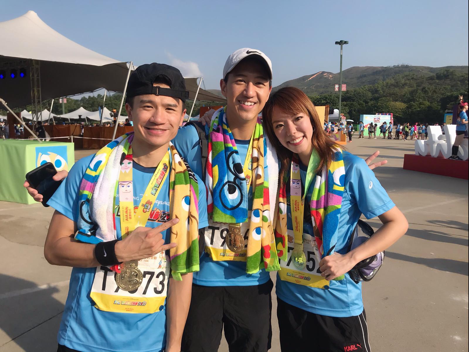 J.Arie笑言有釗鋒(左)和馮允謙(中)陪跑好感動。