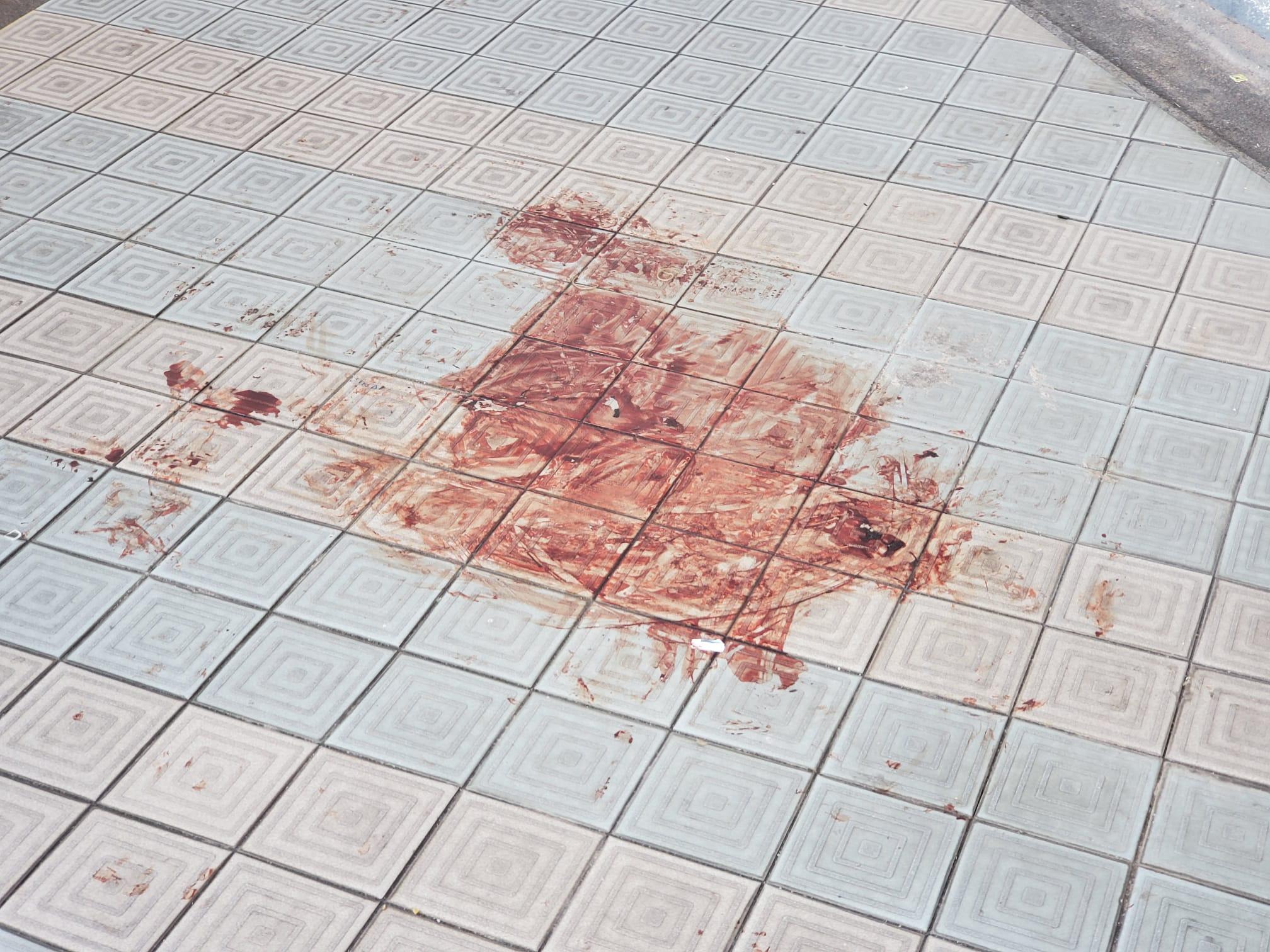 科大生失足墮下現場,血跡仍未清理。
