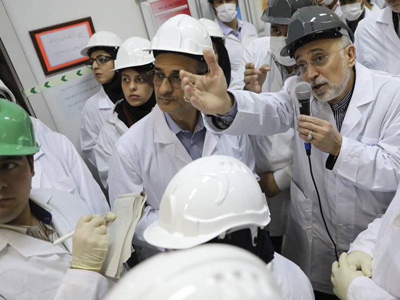 伊朗核子機構首長沙列西表示,政府啟用新一批30台先進IR-6離心機。AP