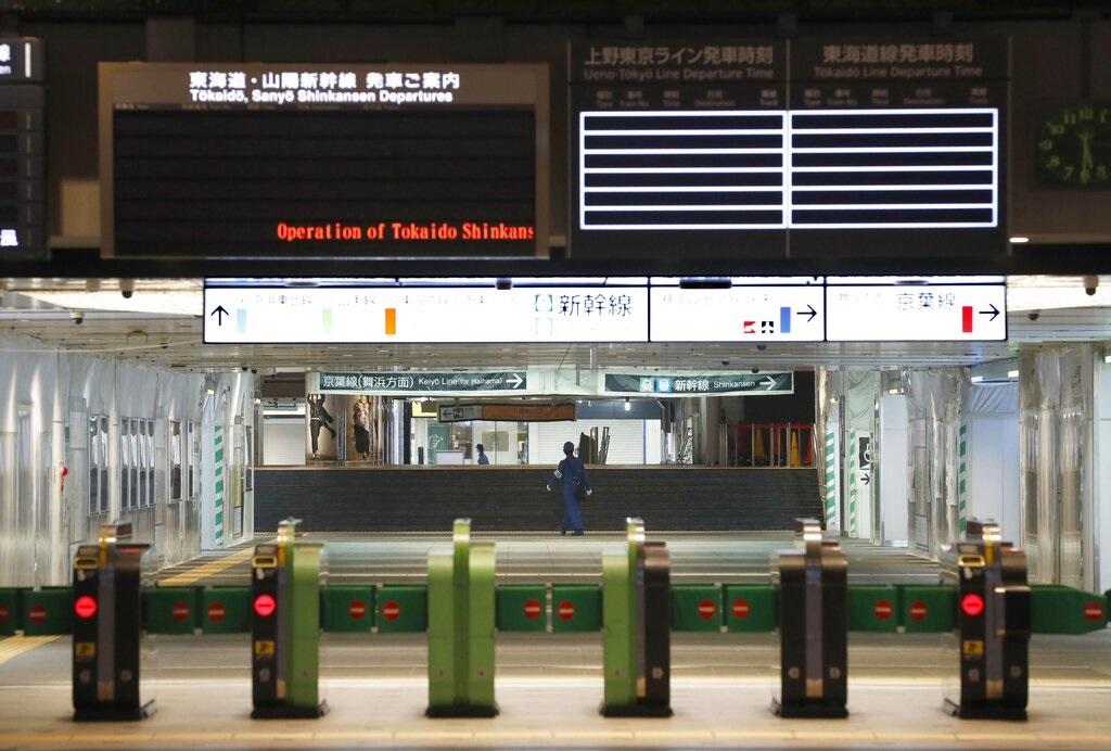 因颱風吹襲日本鐵路多次預先停駛。AP圖片