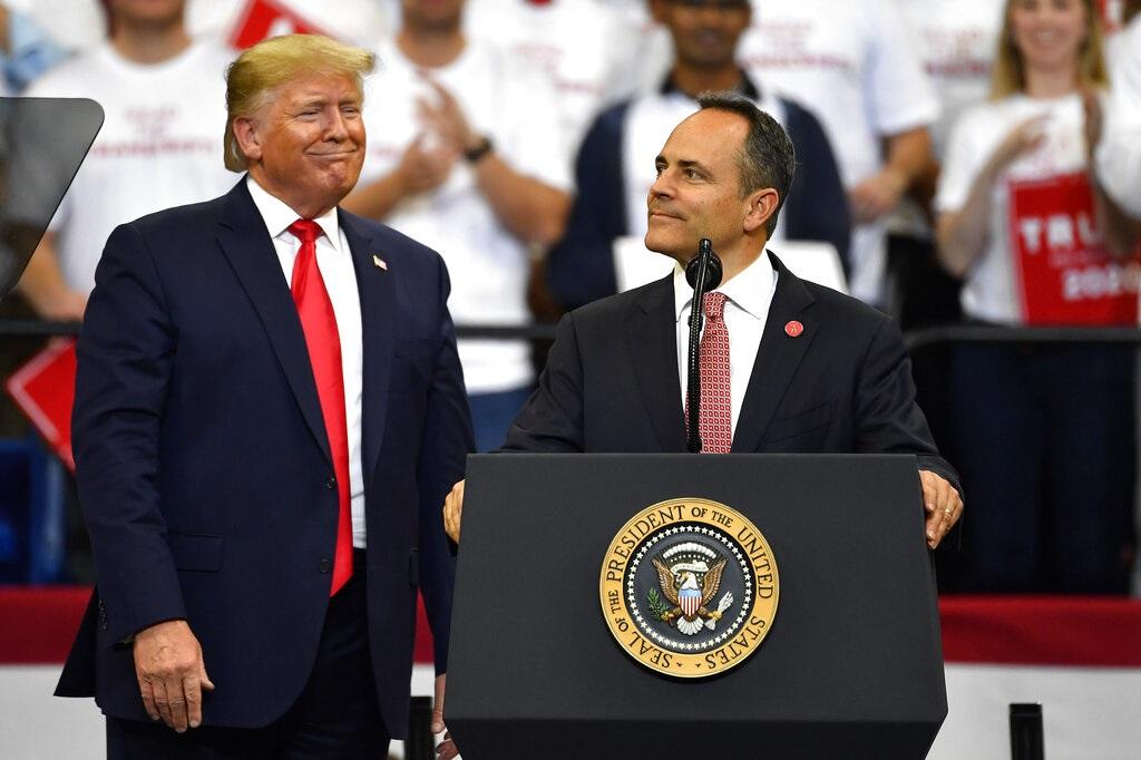 特朗普在一個集會上為貝文站台。AP圖片