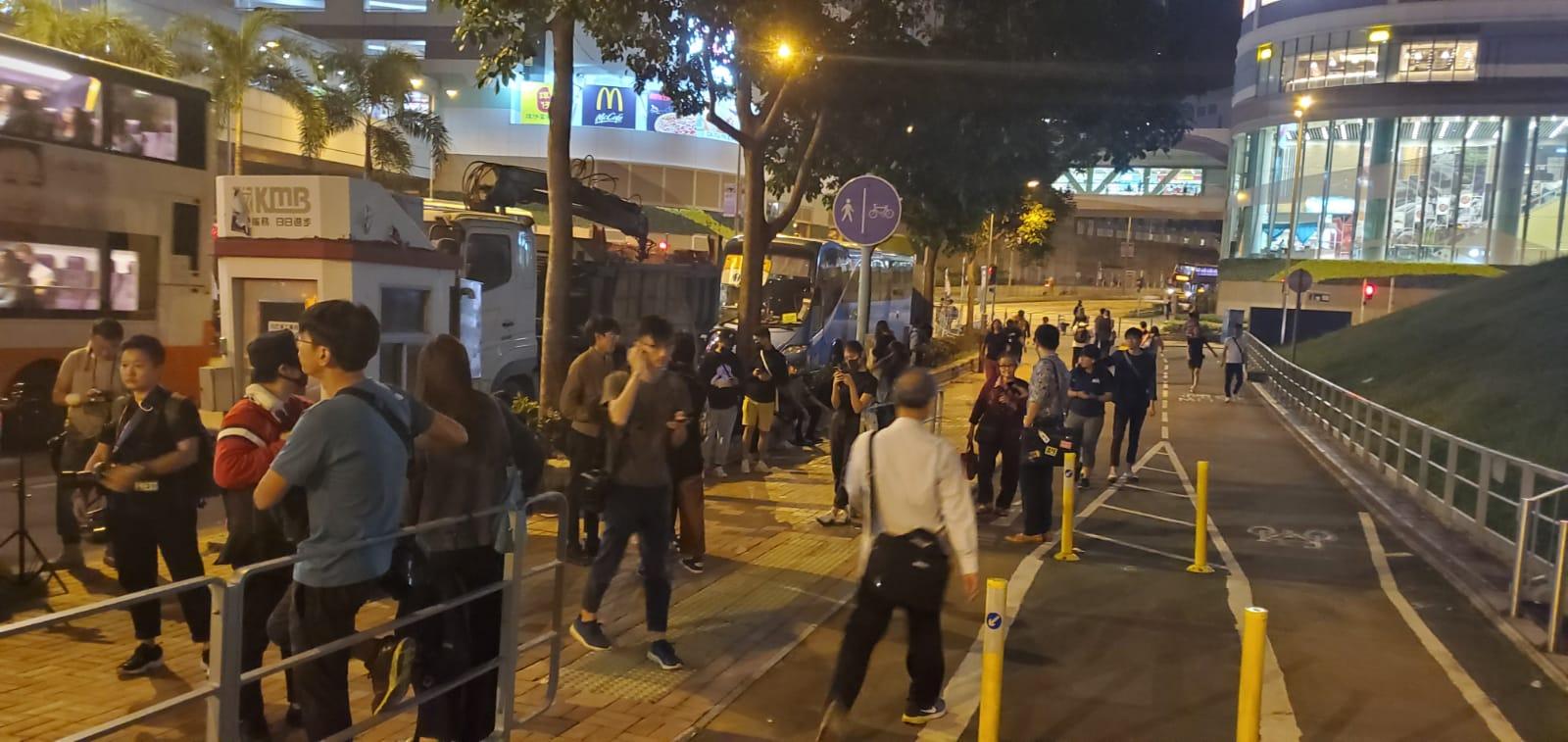 網民參加悼念活動。