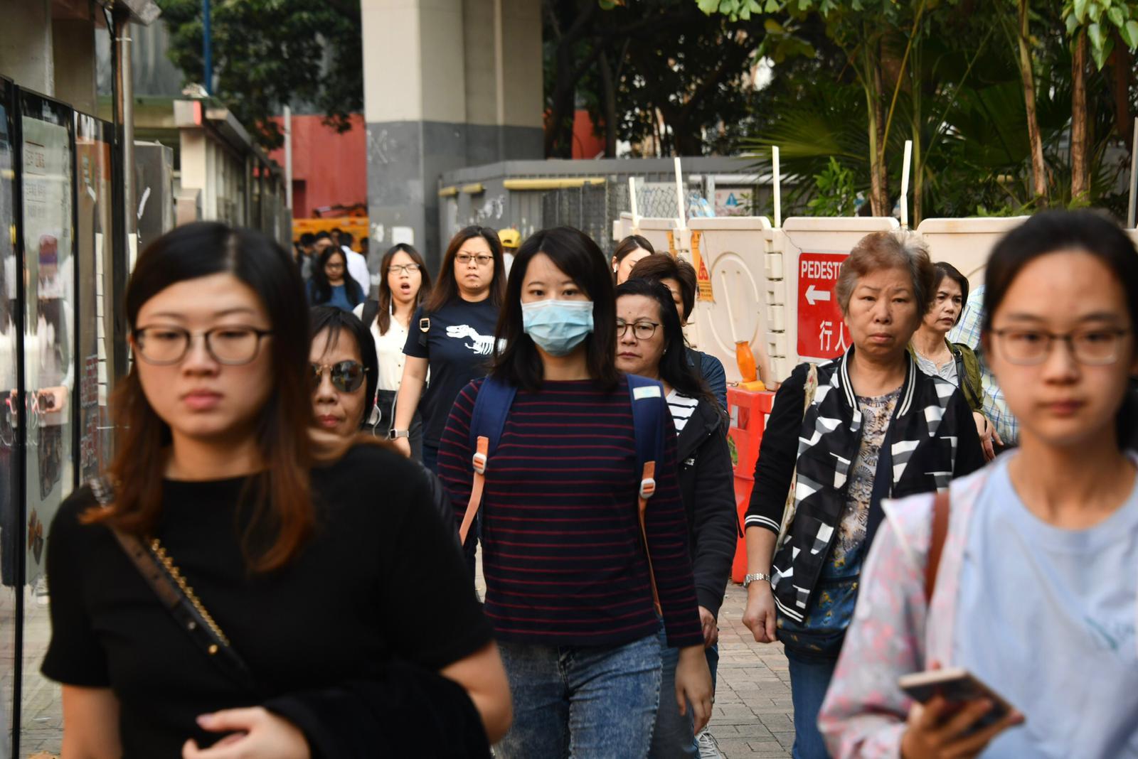 網民今早再發起「和你返工」行動。九龍灣和觀塘一帶亦有集合點。