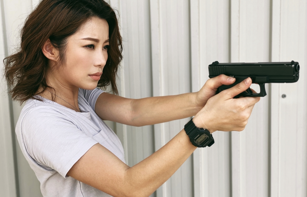楊柳青性感完做回打女,仲首次嘗試拍揸槍戲。