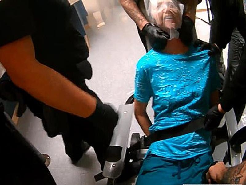 美國科羅拉多州博爾德34歲女子戈特赫爾夫聲稱自己受到6名警員暴力對待。(網圖)