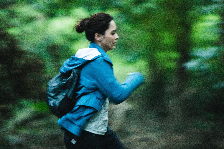 戲中阿嬌有不少喪跑戲份,而且要在樹林中拍攝,相當吃力。