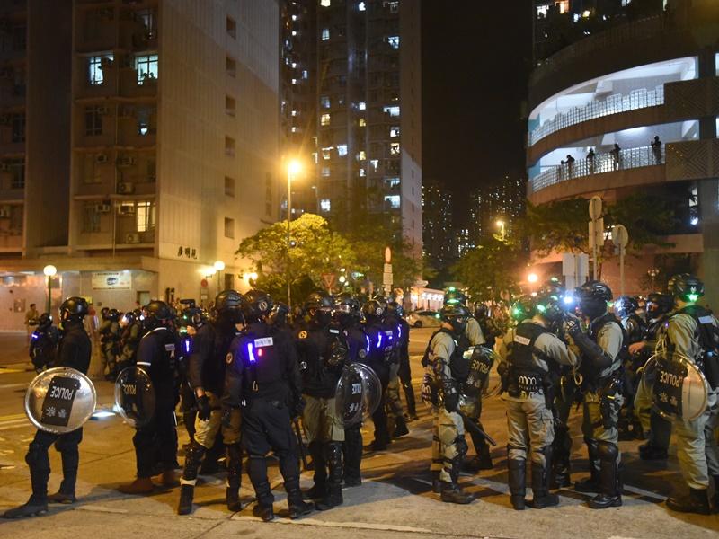 將軍澳衝突當晚警察曾施放催淚彈。