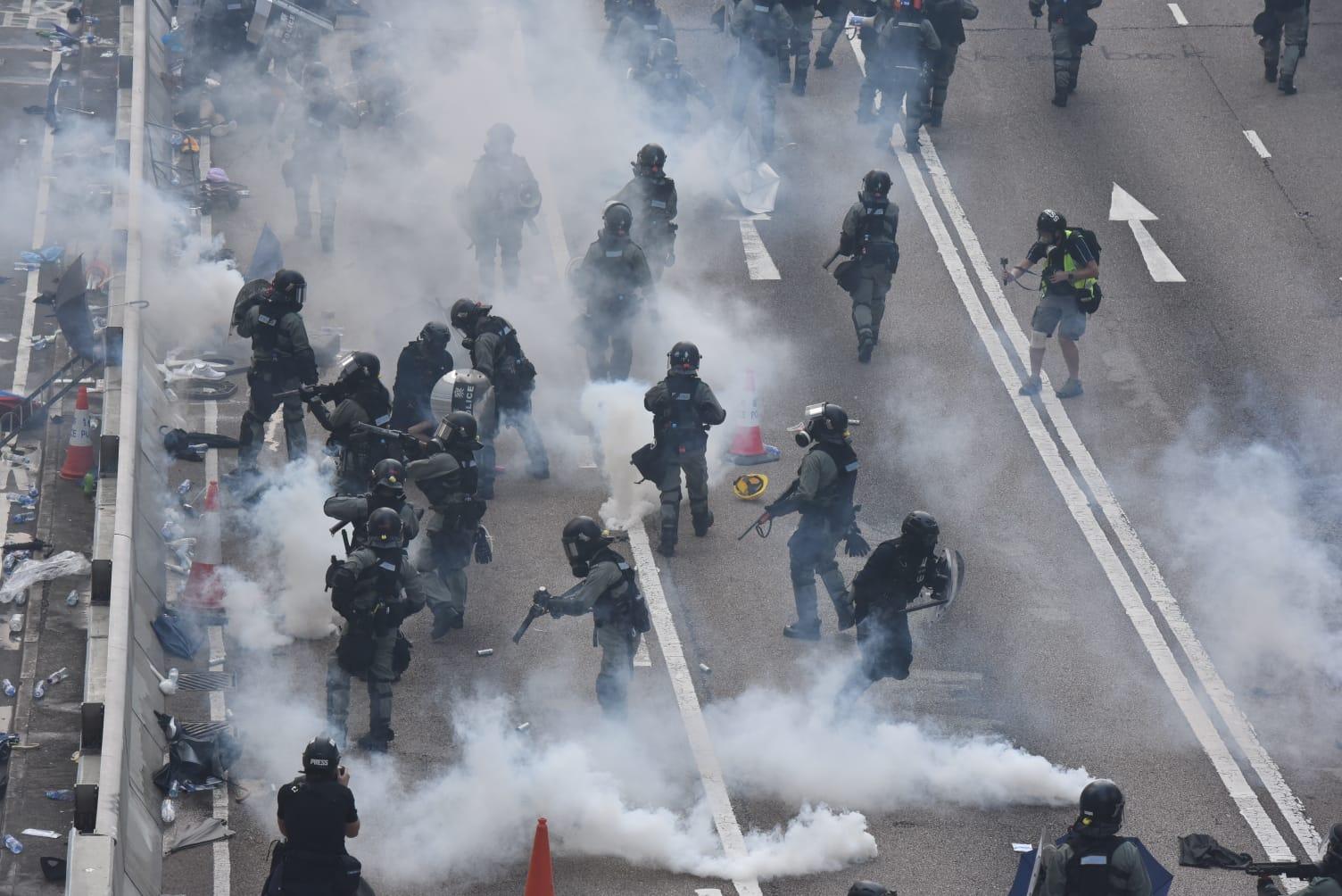 陳肇始承認未掌握警方使用催淚彈成分。資料圖片