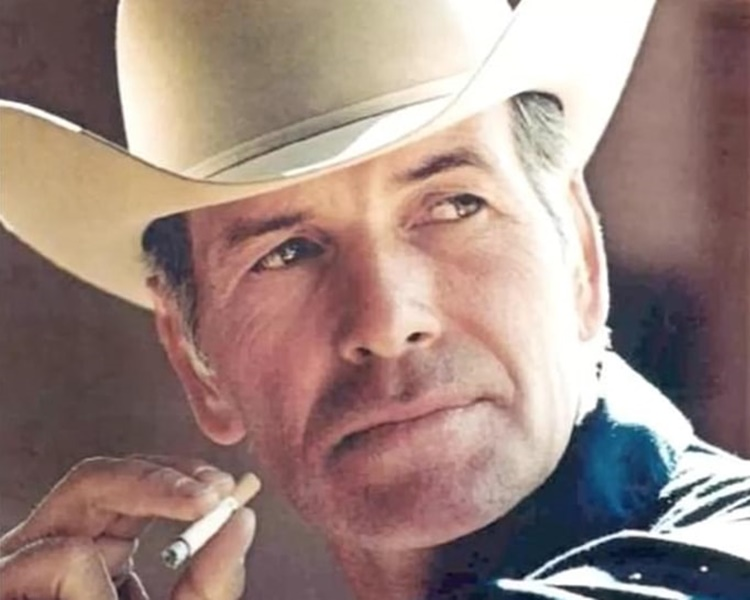 诺里斯是名副其实的真「牛仔」。