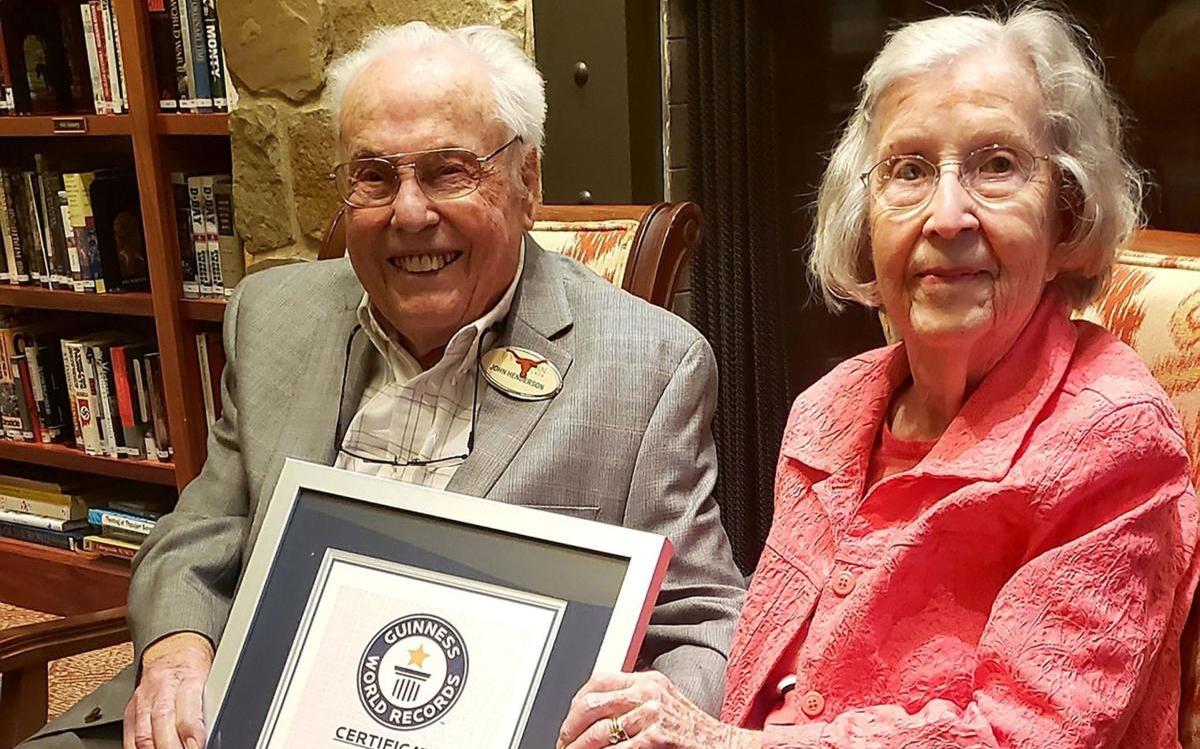 德州夫婦結婚80周年 合計211歲全球最老