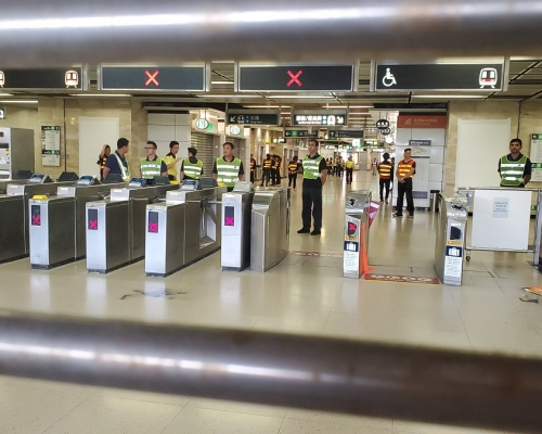 港鐵除機鐵外周一至五晚上11時半停駛 周末晚10時停駛