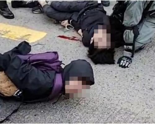 【大三罷】警員西灣河站外連開3槍 2青年受傷送院(有片)