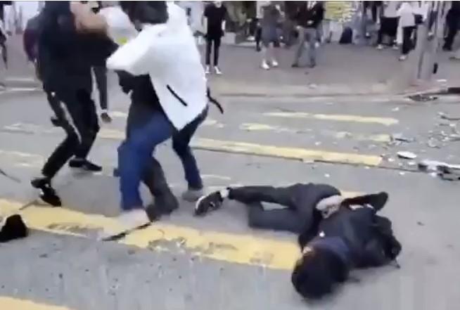 青年中槍倒地。
