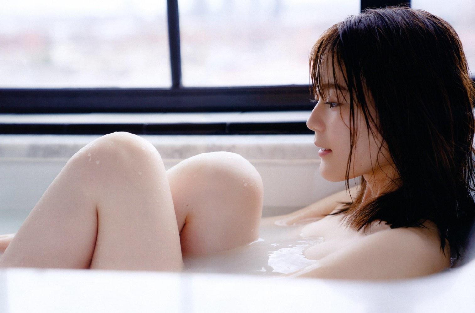 「寫真集女王」生田繪梨花現年22歲。