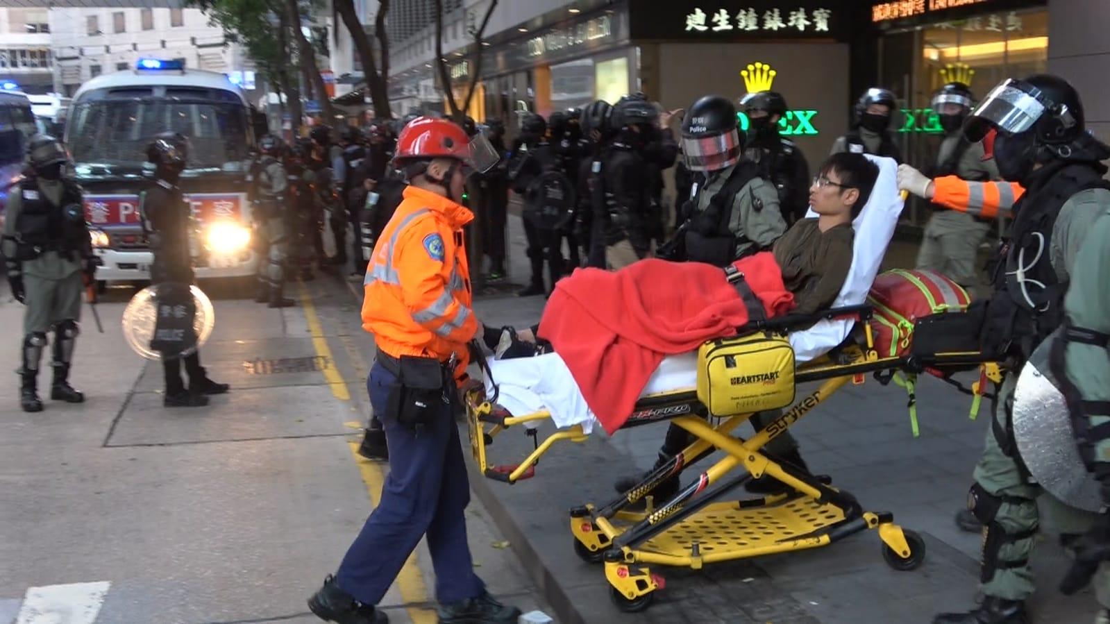 表示有18名傷者需要送院,其中7男4女穩定,一個未情況未明。
