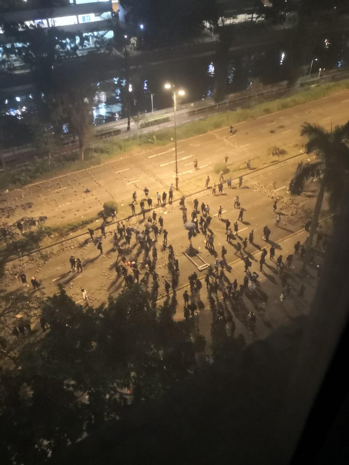 大埔示威者堵路。市民提供