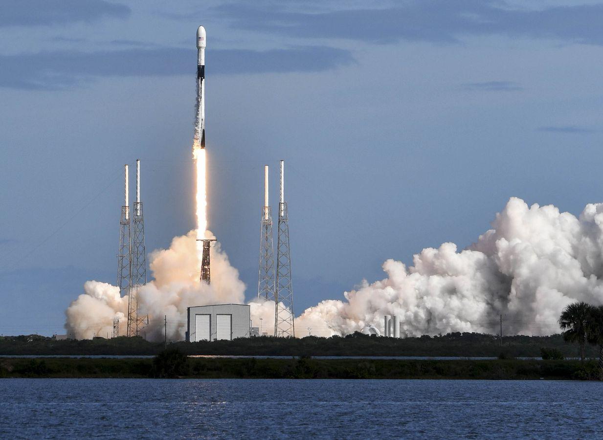 SpaceX將第二批60枚「星鏈」衛星送入太空。AP