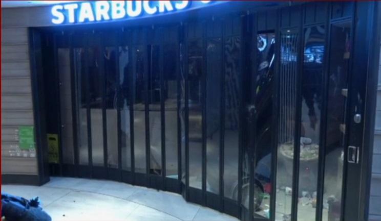 示威者破壞又一城。有線新聞截圖