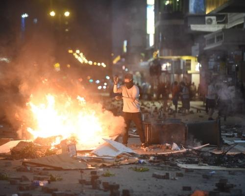 【大三罷】旺角多家商戶遭示威者縱火搗亂 電箱被燒爆炸