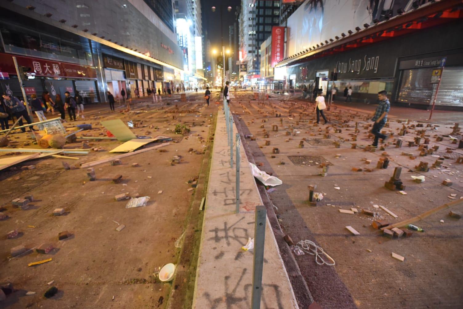 示威者廣泛堵路。