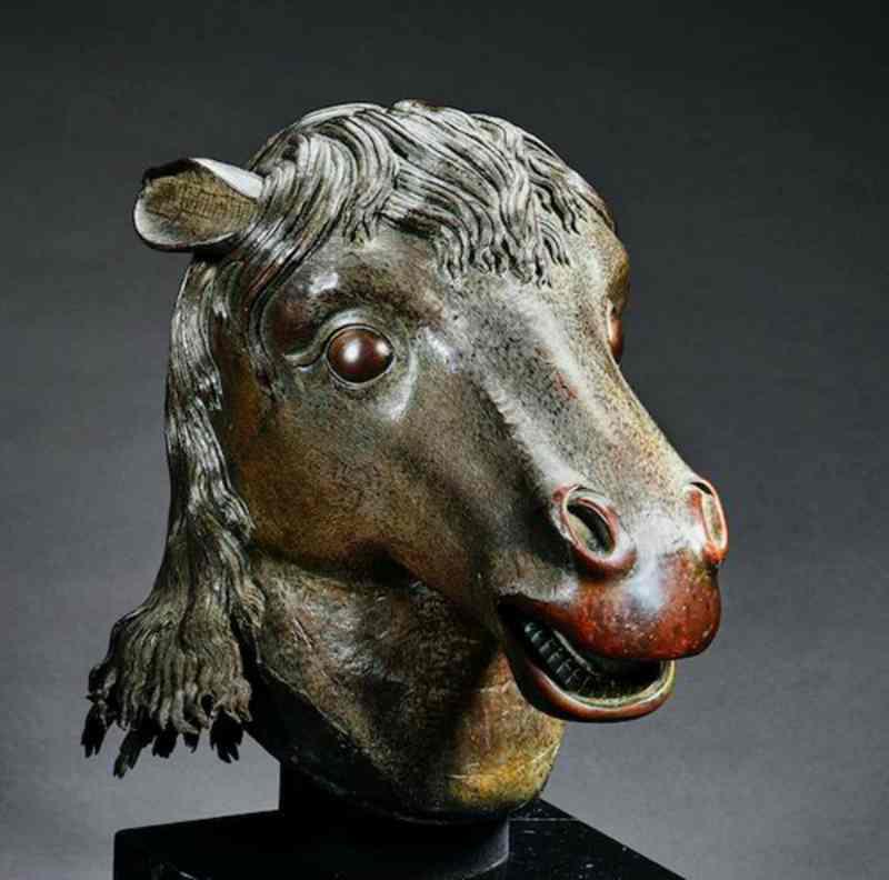 圓明園馬首銅像。