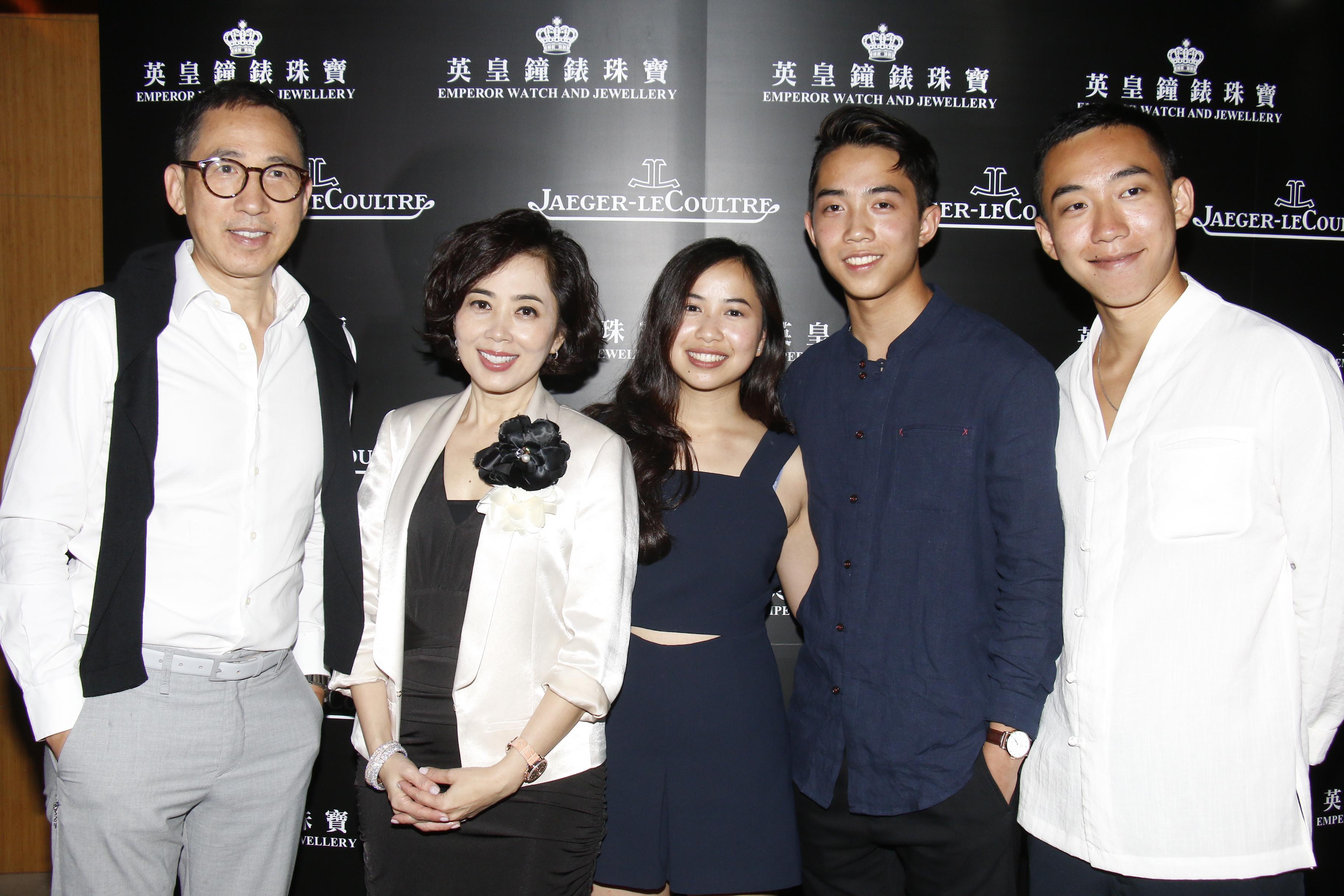 張堅庭曾偕太太楊諾思及3名子女一齊出席活動。