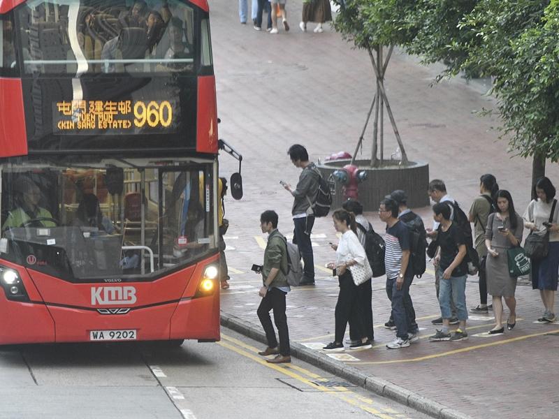 960線巴士維持有限度服務。資料圖片