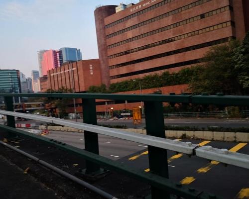 【大三罷】示威者紅隧堵路縱火來回線全封 吐露港公路未通