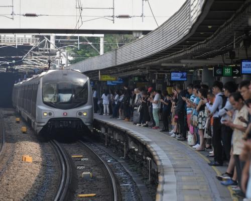 紅磡站附近路軌遭縱火 東鐵線來往紅磡站至旺角東站列車服務暫停