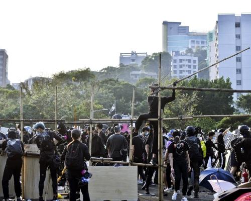 【大三罷】段崇智要求學生及外來人士離開中大 指無邀請警方清場