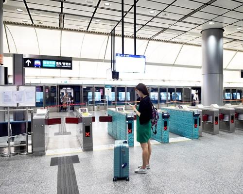 機鐵今晚10時起只來回香港站至機場站。資料圖片