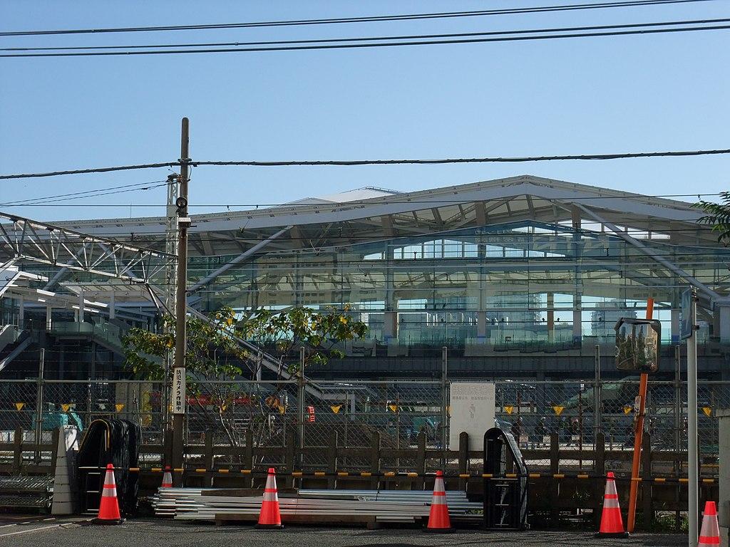 「高輪Gateway」由著名建築名隈研吾設計。